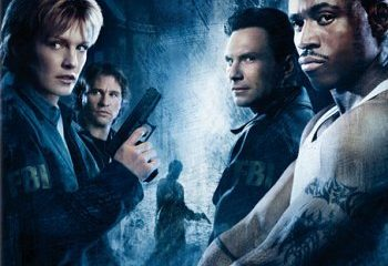 Mindhunters (2004) BRRip 420p 300MB Dual Audio